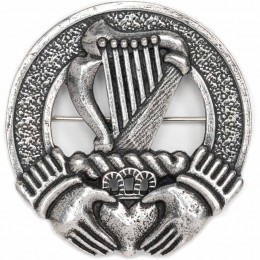 Harp and Claddagh Cap Badge