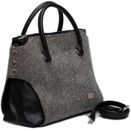 Real Irish wool herringbone. The easiest handbag to coordinate with any Celtic outfit.