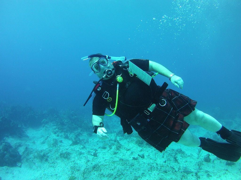 Diving in a kilt 2